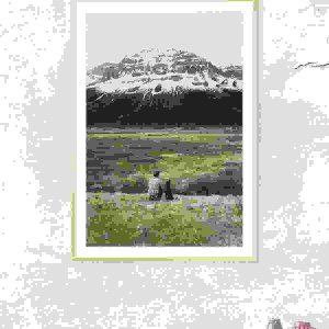 Mountain watching photo frame